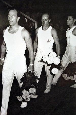 Alfred Schwarzmann - Schwarzmann (middle) in 1951