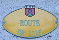Rue du village de Berbérust-Lias (Hautes-Pyrénées) 1.jpg