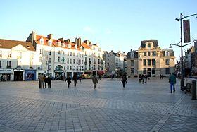 Place du march neuf saint germain en laye wikip dia for Piscine saint germain en laye