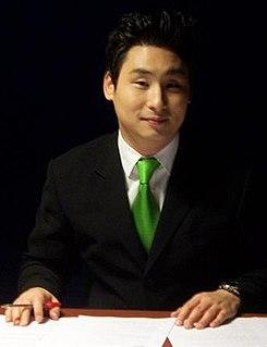 Samuel H. Kim Korean Canadian hockey commentator (born 1976)