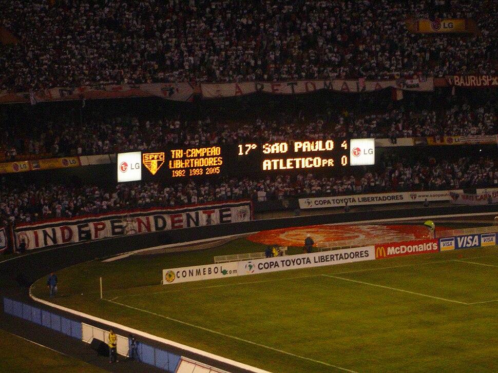 Sao paulo e atletico paranaense - copa libertadores de 2005 - 01