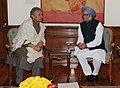 Sarod Maestro Amjad Ali Khan meeting the Prime Minister, Dr. Manmohan Singh, in New Delhi on December 21, 2013.jpg