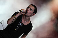 Savages-14.jpg