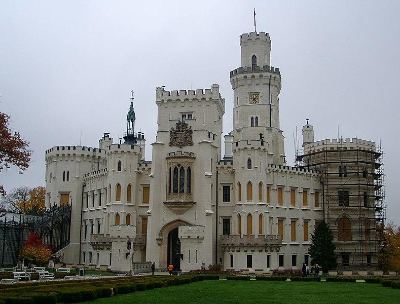 Datei:Schloss Hluboká.jpg