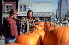 [Image: 225px-Shopping_for_pumpkins_in_Ottawa.jpg]