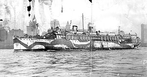 USS Siboney (ID-2999) - Siboney arrives in New York Harbor in late 1918 or 1919 with returning soldiers crowding the rails.