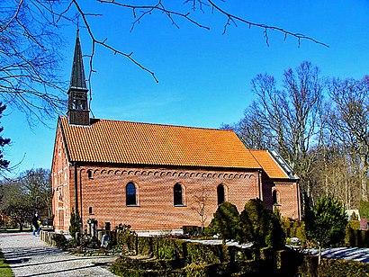 Sådan kommer du til Skoven Kirke med offentlig transport – Om stedet