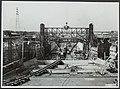 Sluisbouw te Tiel voor verbinding Amsterdam-Rijn. De lengte van de sluis wordt 3, Bestanddeelnr 123-1096.jpg