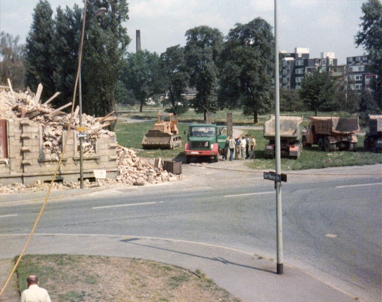 Sofienstraße - Karl-Morian-Straße, Duisburg-Neumühl, etwa 1976.jpg