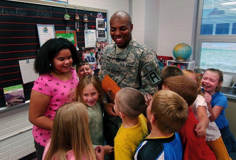 File:Soldiers Help Kids Remember 9-11 DVIDS56750.jpg