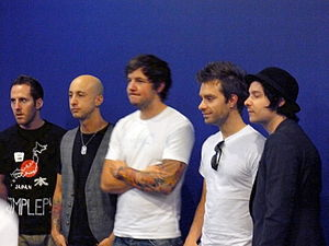 Simple Plan - Simple Plan in Osaka in 2009. From left to right: Chuck Comeau, Jeff Stinco, Pierre Bouvier, Sébastien Lefebvre and David Desrosiers