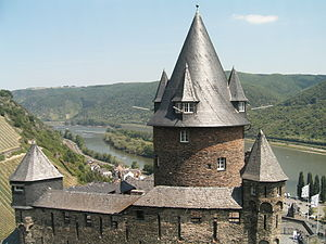Stahleck Castle - View over Stahleck Castle to the Rhine