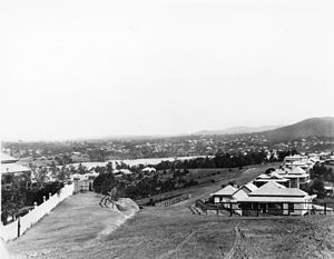 Highgate Hill, Queensland - The view down Dornoch Terrace in 1902 showing development along the ridge and near the river