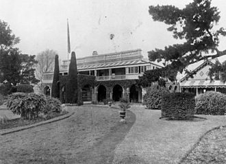 Clifford House, Toowoomba - Manicured hedges and lawns at Clifford House in Toowoomba. Queensland, ca. 1908