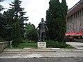 Statuia lui Petru I Muşat din Suceava1.jpg
