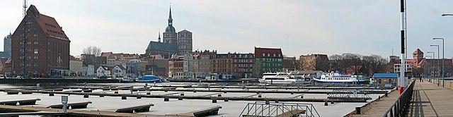 Stralsund Hafen 03-2006.jpg