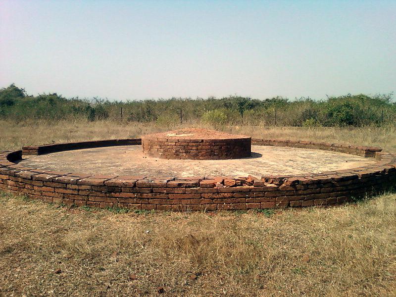 File:Stupa at Bavikonda Visakhapatnam.jpg
