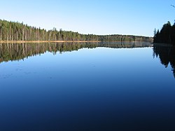 Sunrise at Lake Tevänni - panoramio.jpg