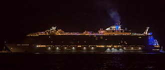 Symphony of the Seas - Image: Symphony of the Seas in Saint Nazaire, France (25739213827)