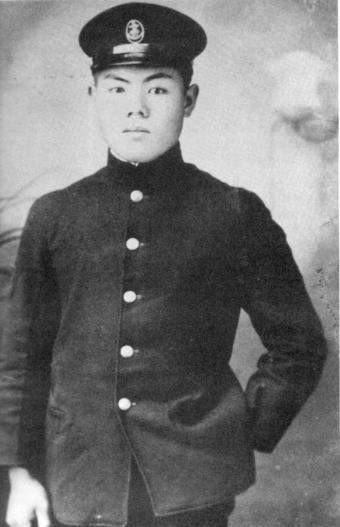 古賀忠義(こがただよし)一等飛行兵曹(1922年9月10日 - 1942年6月4日)