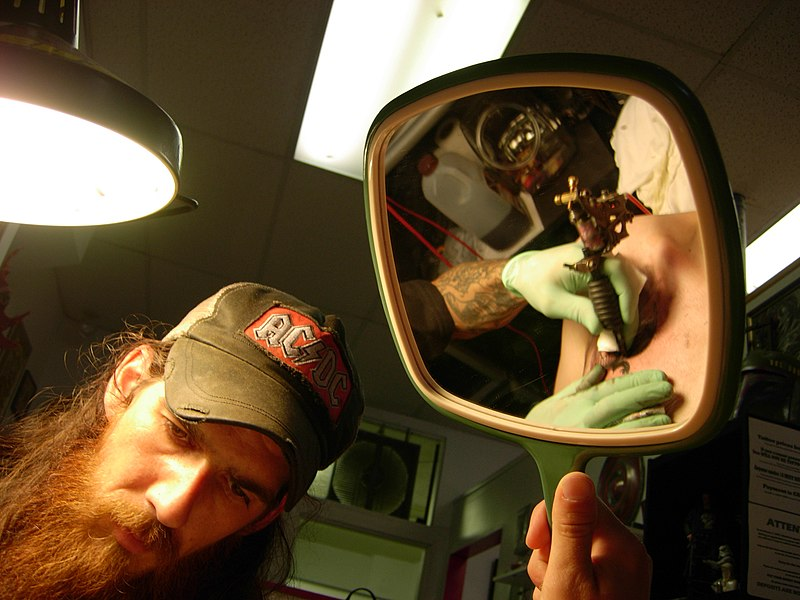 File:Tattoo parlor mirror.jpg