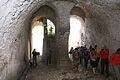 Teatro di Cales, strutture di sostruzione della cavea, sdoppiamento dei cunei radiali.jpg