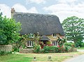 Thatch Cottage Kirtlington - geograph.org.uk - 785703.jpg