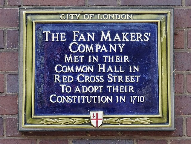 Fan Makers' Company blue plaque - The Fan Makers' Company met in their common hall in Red Cross Street to adopt their constitution in 1710