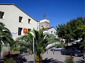 Théza - The Place de la promenade, in Théza
