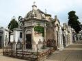 Tombs at Cementerio de la Recoleta in Buenos Aires, Argentina (15940524812).png