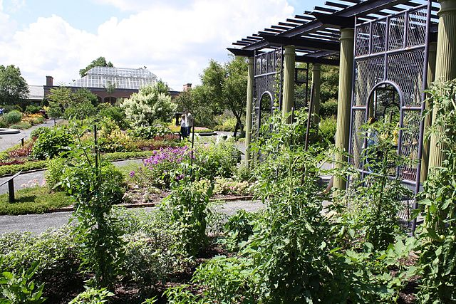 File:Tower Hill Botanical Garden - Boylston MA - panoramio (22).jpg ...