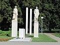 Tvrdonice, pomník 2, sv. válka.jpg