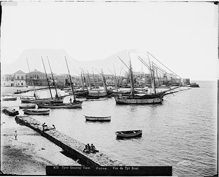 Tyre harbour pre-WWI, American Colony (Jerusalem) Photo Department, US Library of Congress TyreLebanon Harbour1898-1914 LibraryOfCongress-MatsonCollection.jpg