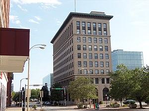 First National Bank Building (Davenport, Iowa) - Image: US Bank Davenport, Iowa