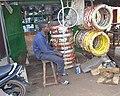 Un vendeur de pneus 05.jpg