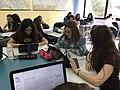 Una classe liceale al lavoro sui progetti Wikimedia 03.jpg