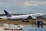 United Airlines, N78005, Boeing 777-224 ER (19733070863).jpg