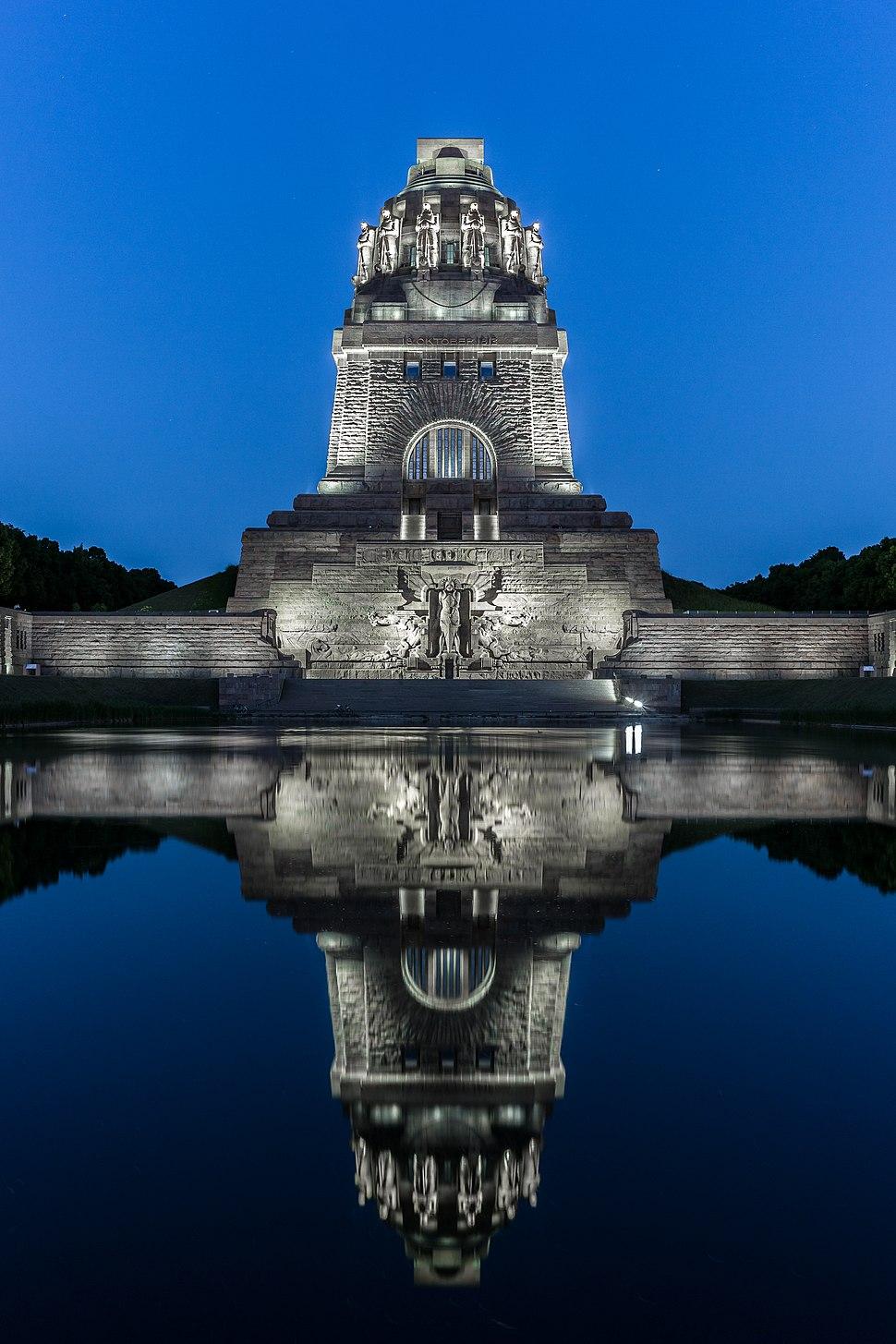 Völkerschlachtdenkmal Leipzig beim Nacht