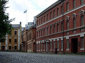 Old Great Square (Turku) - Buildings along the Old Great Square: (from left to right) the Old Town Hall, Brinkkala Mansion and Katedralskolan i Åbo