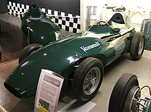 Photo d'une Vanwall VW5, verte.