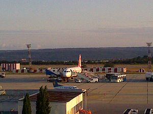 English: Varna Airport Deutsch: Varna Airport ...