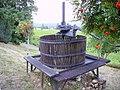 Vieux pressoir à vin près de Sancerre.jpg