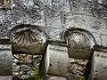 Villamblard château Barrière mâchicoulis détail.jpg