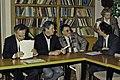 Visite de Mr Bichat et du secrétaire d'état à la recherche à l'INRA de Versailles-16-cliche Jean Weber.jpg