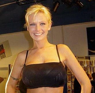 Vivian Schmitt - Wikipedia