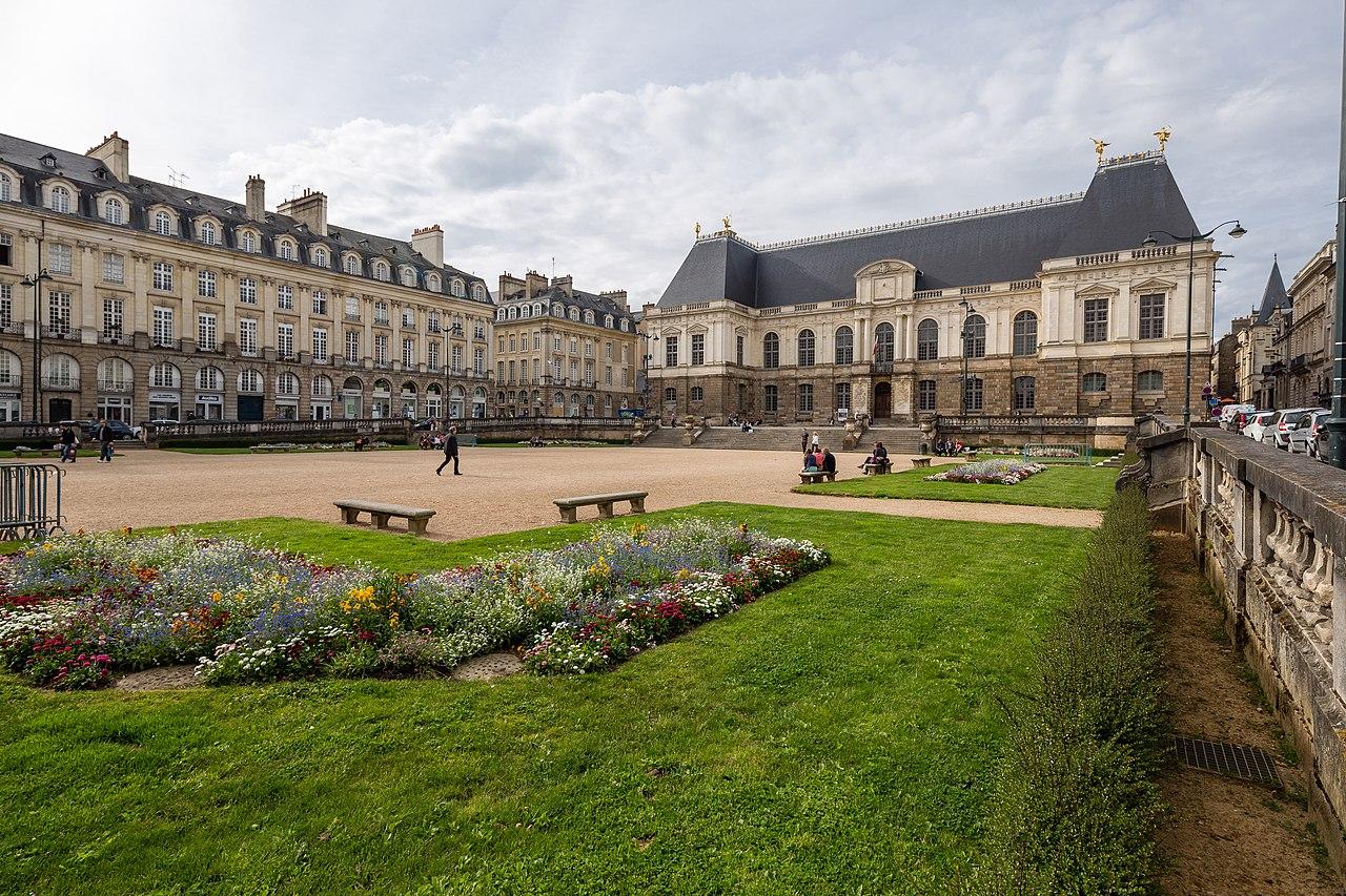 File:Vue sud-est de la place du parlement de Bretagne ...