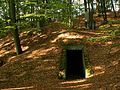 Wejście do bunkra 2 - panoramio.jpg