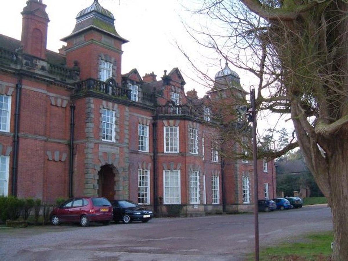 Woodcote Hall - geograph.org.uk - 328714.jpg