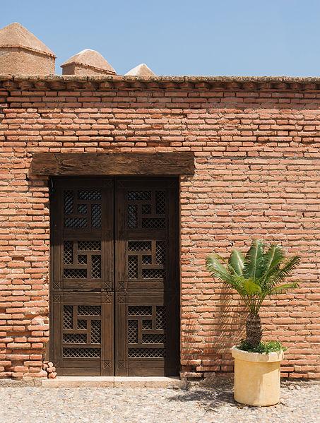 File:Wooden door, Alcazaba gardens, Almeria, Spain.jpg
