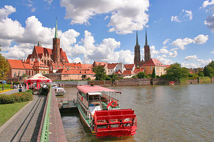 Oder in Wroclaw, overlooking Ostrow Tumski - Cathedral Island Wroclaw - Ostrow Tumski.jpg